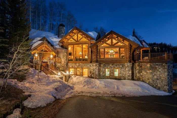 12 Awesome Ski-In & Ski-Out Airbnbs You Can Rent Across North America
